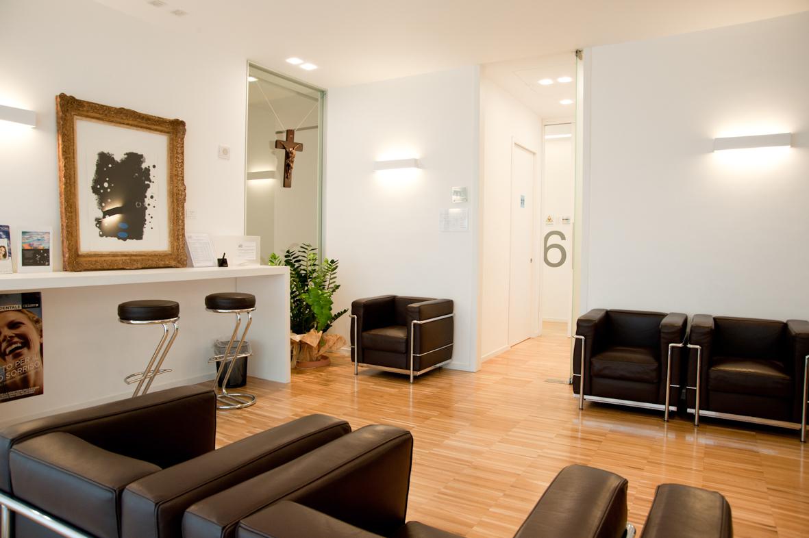 Sala attesa studio medico qg32 regardsdefemmes for Arredamento studio odontoiatrico